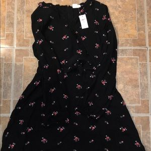 NWT Long sleeve dress with flowers.